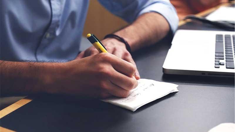 Hur du skriver en offert som säljer