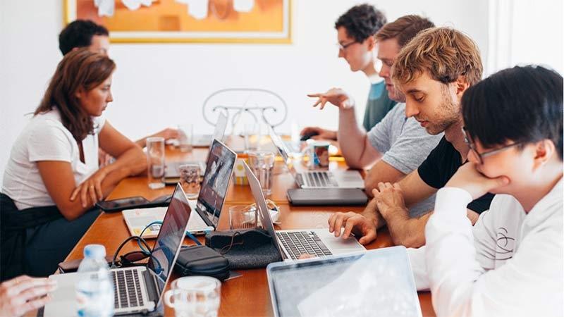 Chefer lyser med sin frånvaro på möteskurserna