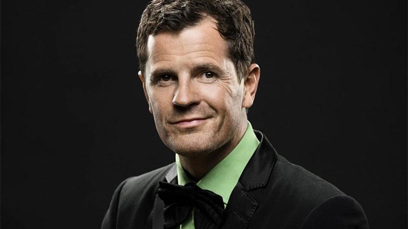Martin Österdahl, författare till boken All business is show business