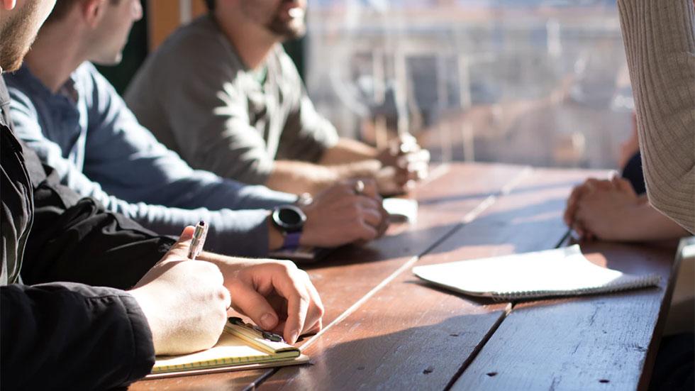Konsten att bryta ner en negativ företagskultur och frigöra stark drivkraft