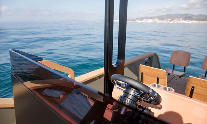 Eldriven båt